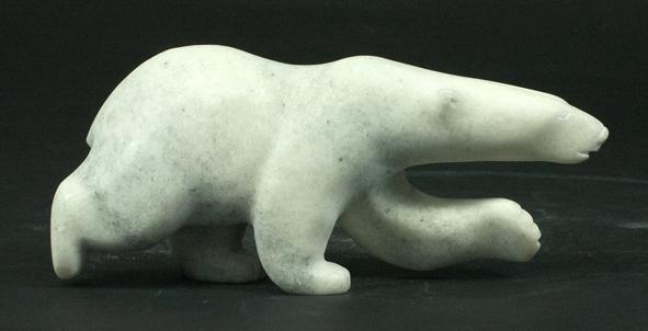 DFA_Quaraq Nungusuitok_ours marchant marbre blanc_8518Lb_2